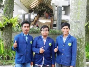 Mahasiswa UTS
