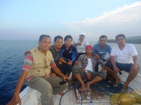 Kenangan saat perjalanan ke Pulau Moyo, dan Pulau Medang untuk mengumpulkan barang bukti Kapal Perintis