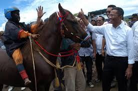 Kuda dan Joki Ciliknya mendapat pujian Dahlan Iskan