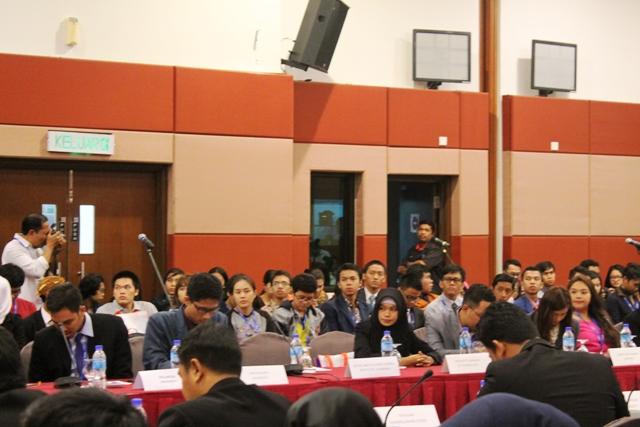 UTS mengirim delegasinya pada AUYS 2015 di Malaysia, bergabung dengan ratusan pelajar dari seluruh ASEAN.