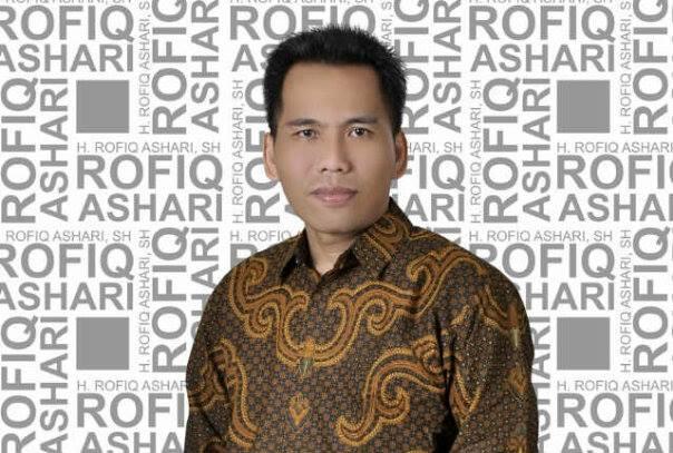H Rofiq Ashari SH