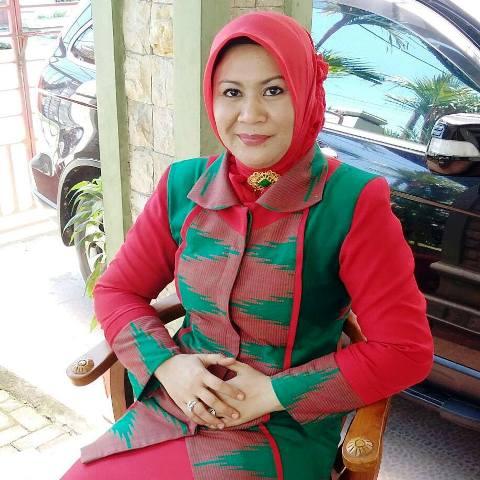 Dewi Noviany M.Pd, Warek IV UTS