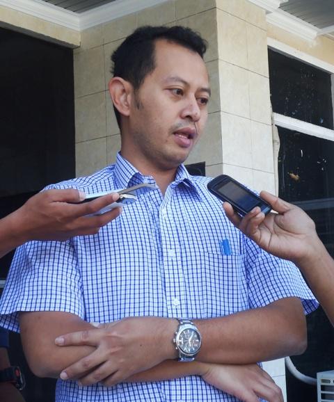 Manager PLN Area Sumbawa, Roxi Swagrino