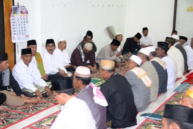 Rombongan Bupati Sumbawa, tampak H Asaat Abdullah ST, Cabup Sumbawa