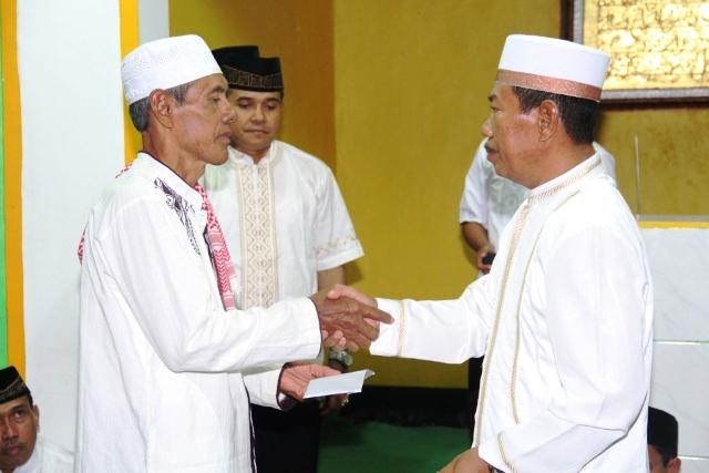 Sekda H Rasyidi Safari ramadhan di Masjid Desa Orong Telu