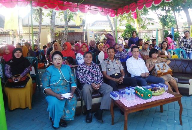 Dari Kanan, Magdalena Dora S.Pd, Drs A Malik, Kompol Syirajuddin Mahmud dan Fatria Gunawan SH