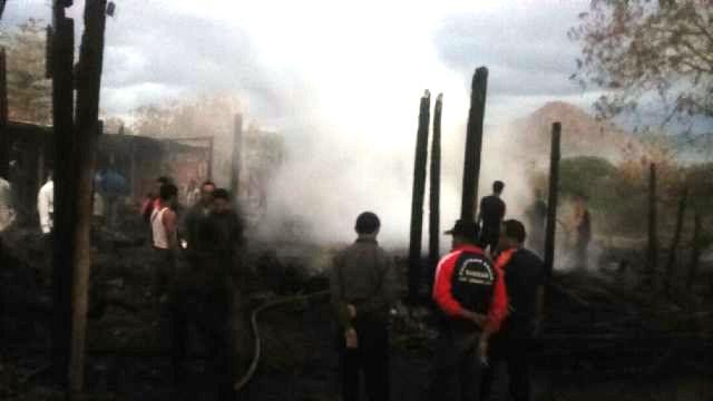 terbakar gudang 1