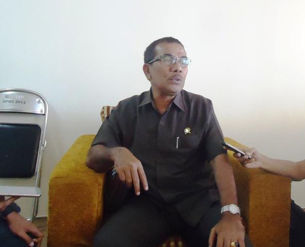 Agus Salim Okak, Sekretaris Golkar Sumbawa
