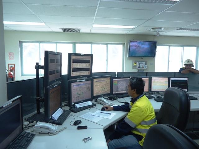 Control Room, tempat memonitor kandungan, jumlah  dan daerah asal material