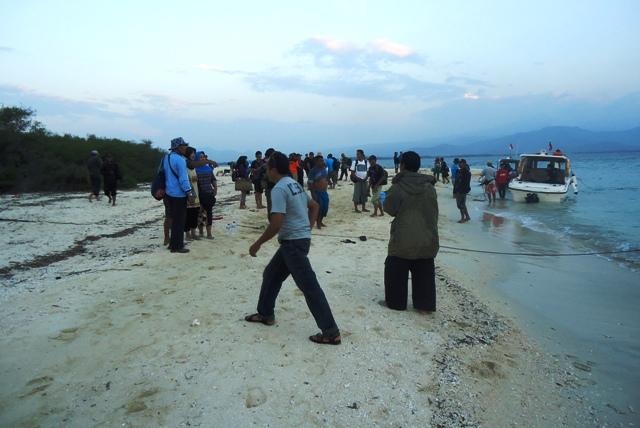 Rombongan Ekspedisi Tiba di Pulau Kramat