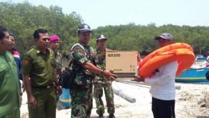 TNI AL bantu nelayan