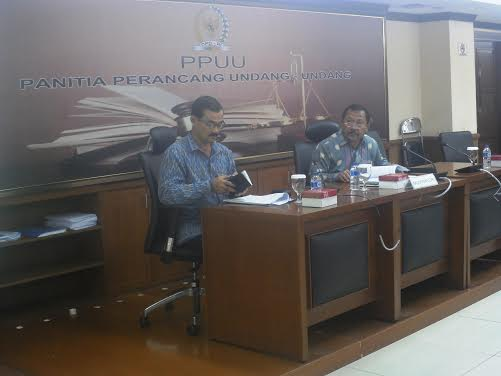 Bupati Sumbawa Drs H Jamaluddin Malik didampingi Asisten Perekonomian dan Pembangunan, Drs H Muhammading M.Si dan Kepala Bappeda Sumbawa Ir. H. Iskandar D, M.Ec.Dev