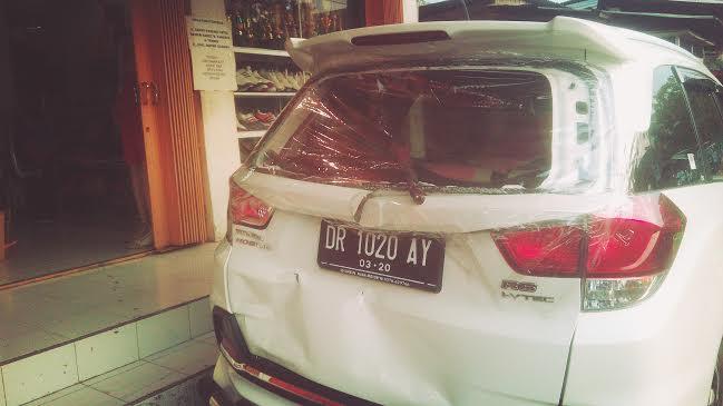Kecelakaan mobil 1