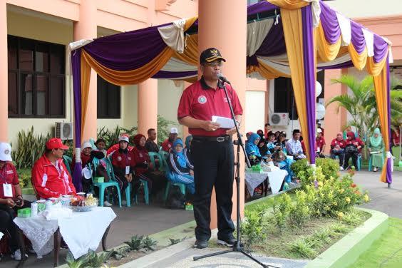 Wagub NTB H Muh Amin SH M.Si membuka Porseni tingkat Provinsi NTB di Kabupaten Sumbawa