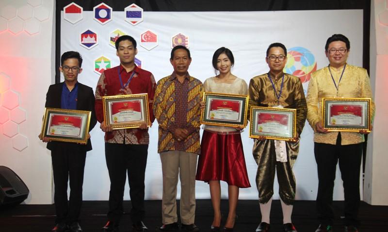 PLT Bupati Sumbawa, Drs H Rasyidi memberikan apresiasi kepada delegasi negara-negara ASEAN