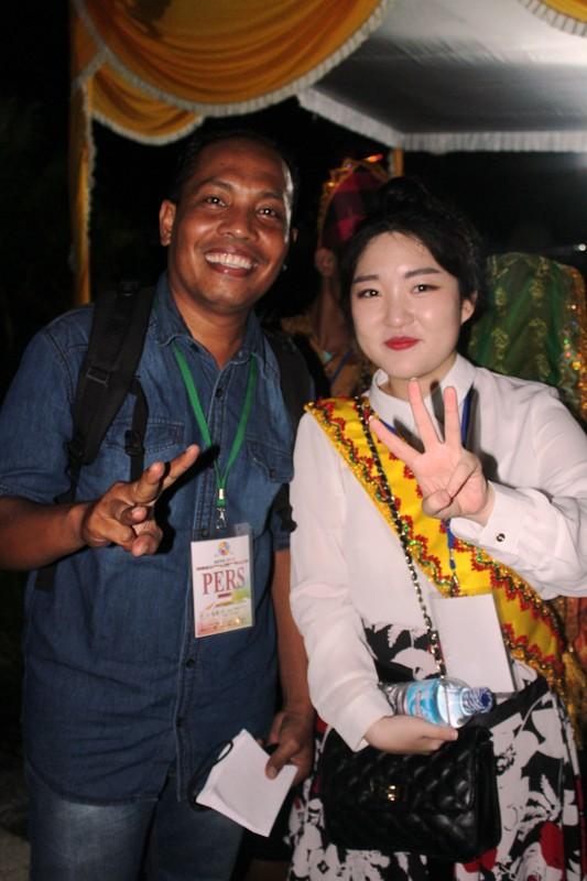 wartawan SAMAWAREA bersama Shin Goeun—mahasiswa Philippines De Lasalle University (Philipina)