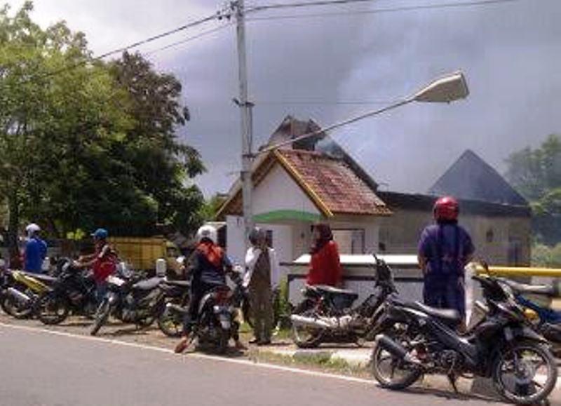 Rumah Pelaku Terbakar 1