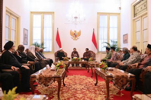 Jokowi Terima Tamu 1