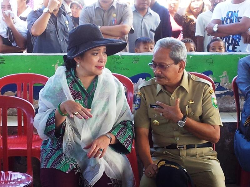 Bupati Sumbawa HM Husni Djibril dan Titiek Soeharto (anggota Komisi IV DPR RI)