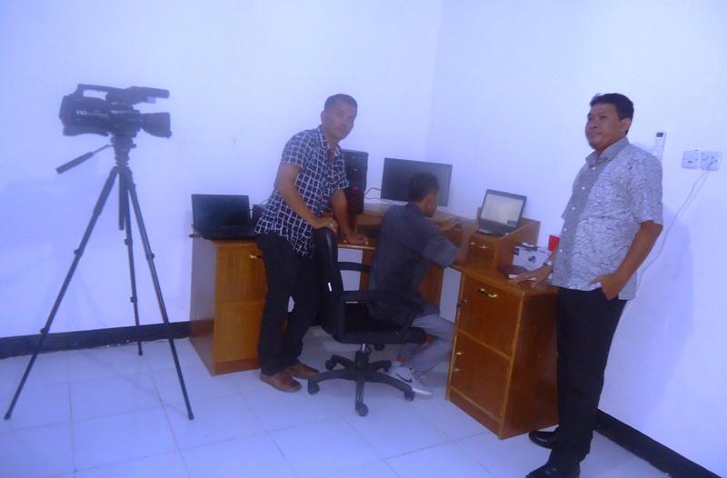 sebagian peralatan Multi Media milik UNSA dari Bantuan PTNNT