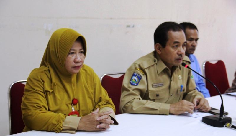 Asisten I Doktor Ikhsan didampingi Kadis Nakertrans Sumbawa