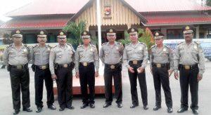 Naik pangkat perwira