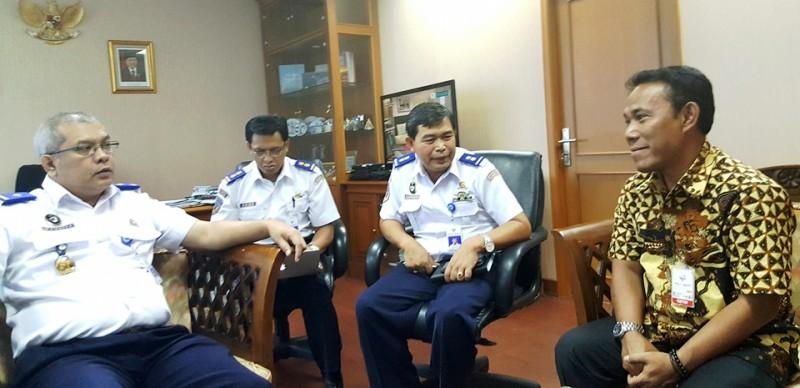 Bupati dan Wakil Bupati KSB saat diterima Direktur Perhubungan Laut Kementerian Perhubungan RI