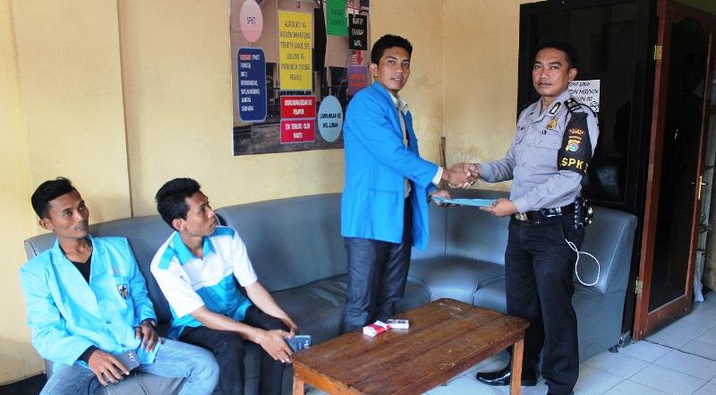 Ketua DPD KNPI Kabupaten Sumbawa Periode 2015-2018, Alwan Hidayat, S.Pd.I didampingi Wakil Sekretaris, Joni Satriwan SAP,
