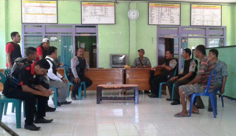 Pertemuan di Kantor Desa Berare