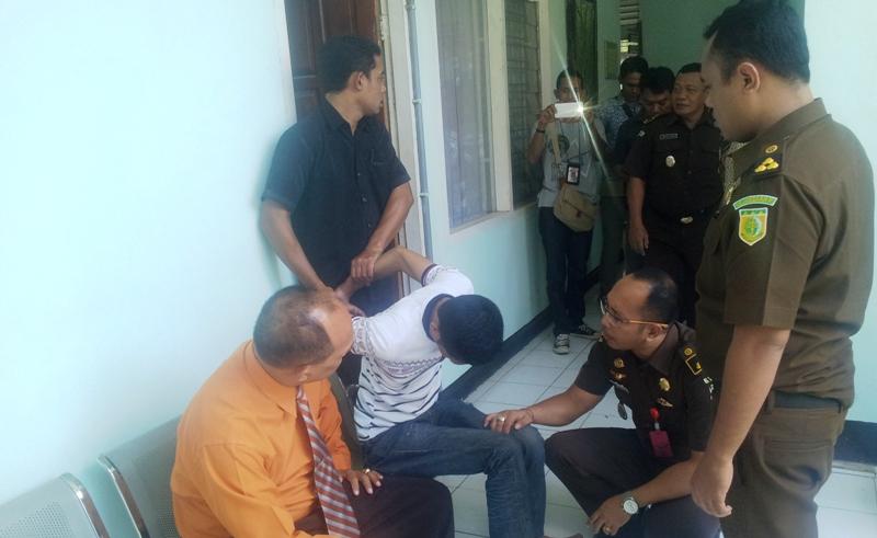 KABUR: Tersangka PNPM Lunyuk ditangkap Satpam Kejaksaan