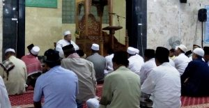 sholat-subuh-berjamaah-1