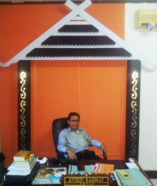 Syukri Rahmat, Ketua KPU Sumbawa
