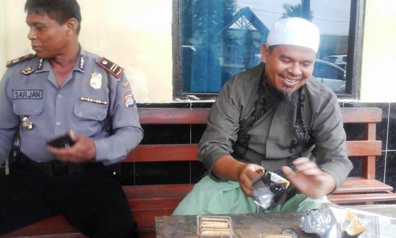 Kapolsek Plampang, IPTU Sarjan dan H. Muhammad Kunti--Pemilik RM Asri