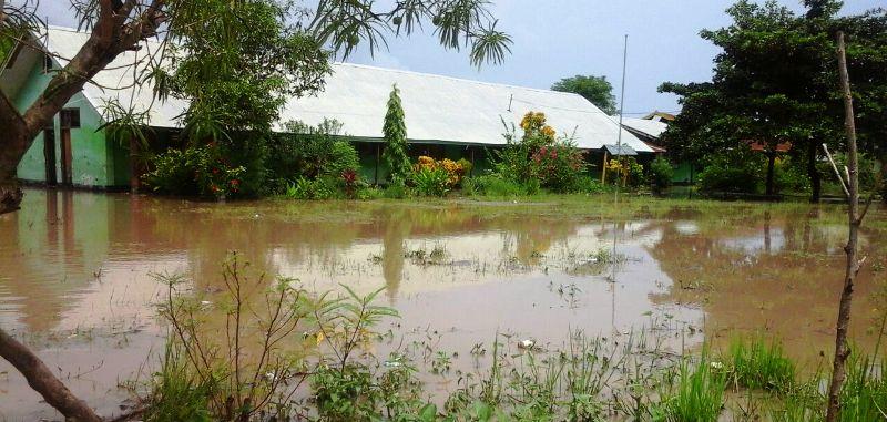 Maronge Banjir sekolah 1
