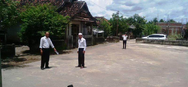Tim Tipikor Olah TKP Proyek Pembangunan Gedung Serbaguna Desa Sengkal