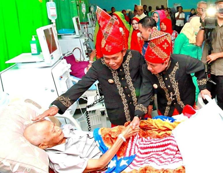Pasien cuci darah di RSUD As-Syifa dikunjungi Bupati dan Wakil Bupati KSB